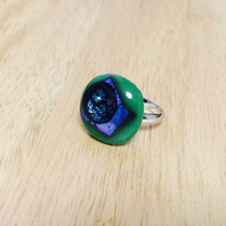 Handcut fused glass ring  Glass size:  20mmX20mm  Ring type: adjustable ring Ring color: silver