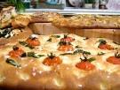 Lättbakat foccaciabröd med oliver
