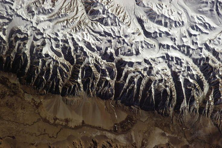 O Himalaia visto do espaço (Foto: Divulgação/Chris Hadfield)