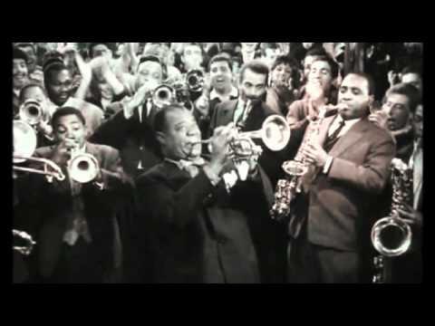 Paris Blues, scandito dalla meravigliosa partitura jazz di Duke Hellington e delineato dal bianco e nero cinematografico dei migliori momenti esistenziali di Parigi, è un film sulla vita e l'amore nell'arte ma anche sulle scelte da farsi per rimanere fedeli a se stessi e sugli istinti che non estinguono l'ispirazione.