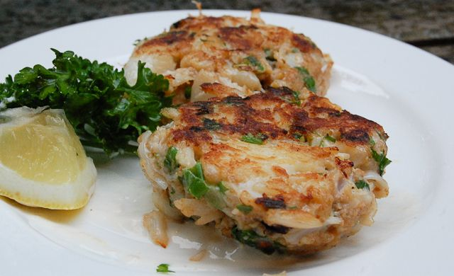 BEST Crab Cakes with Lemon Aioli | main coarse | Pinterest