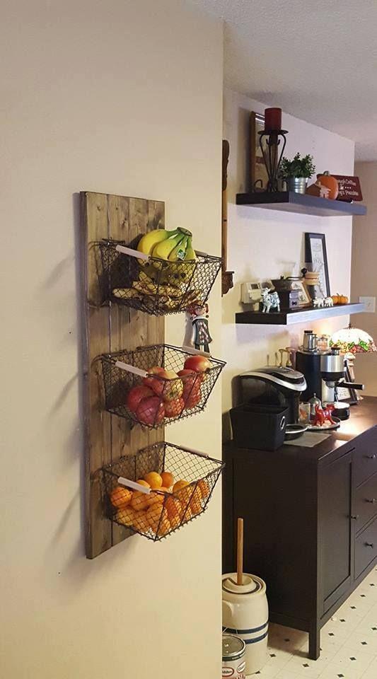 Si vous vous demandez toujours comment stocker vos légumes sans perdre de place dans votre cuisine, voici la solution à réaliser vous-même ! C'est l'idée d