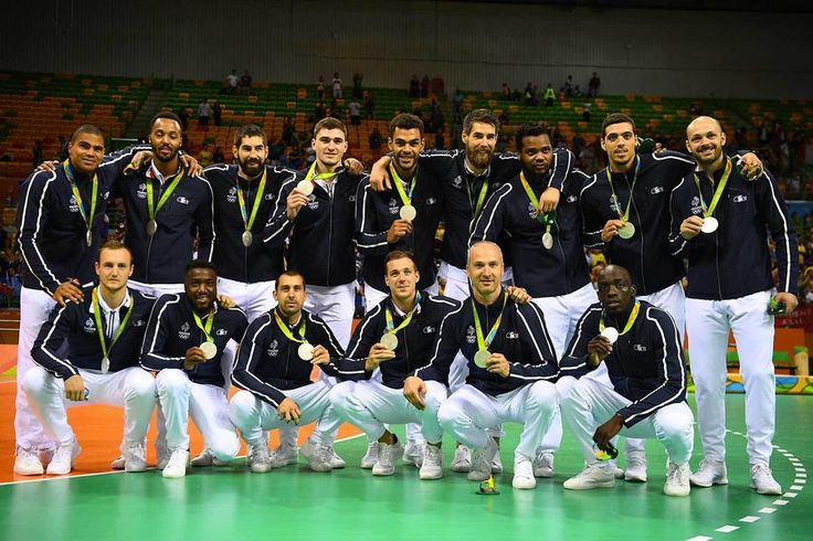 L'équipe de France hommes de handball médaille d'argent aux Jo de Rio 2016