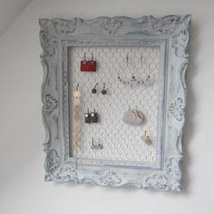 best 25 porte bijoux ideas on pinterest jewelry storage jewellery display and boho room. Black Bedroom Furniture Sets. Home Design Ideas