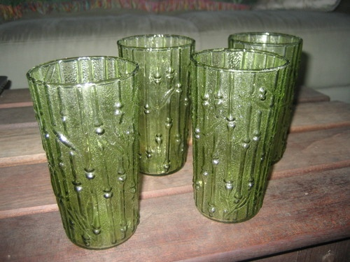 VINTAGE GREEN DRINKING GLASSES SET OF 4 TUMBLERS | eBay