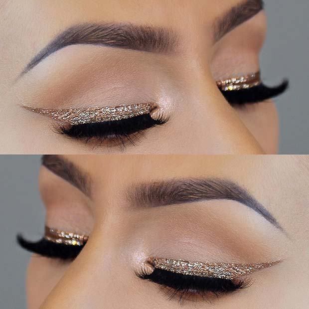 23 Glam Makeup Ideas for Christmas: #4. TRENDY GOLD GLITTER EYELINER; #christmas; #glittermakeup; #eyemakeup