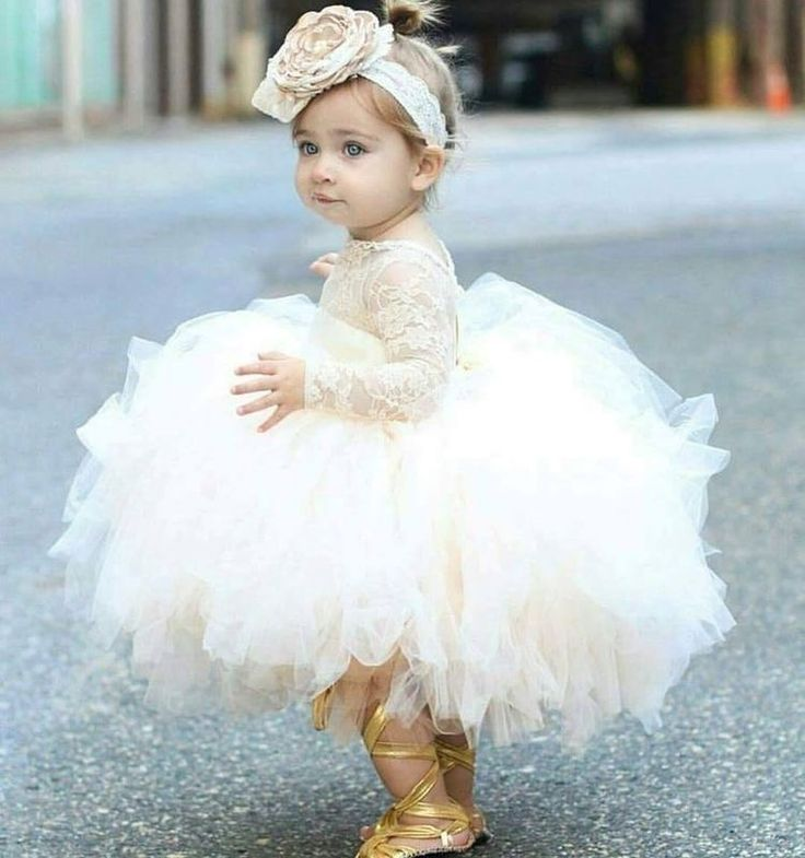 22 best Baby gown images on Pinterest   Babykleid, Blumenmädchen und ...