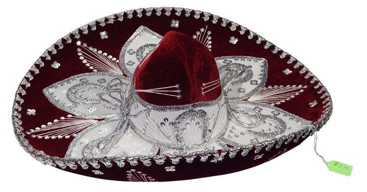 Como fazer um sombreiro mexicano. Sombreiros mexicanos são ótimos brindes para a festa de Cinco de Maio ou qualquer outra festa. Você pode fazer sombreiros pequenos para dar como lembrancinhas em uma festa, criar grandes centros de mesa, colocar nas paredes ou usar como parte da fantasia. Você pode fazer sombreiros com qualquer tipo de tecido.