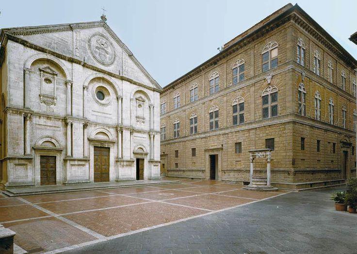 Piazza de Pienza: Cathedral and Palazzo  Piccolomini, Italy #Renaissance architecture by Bernardo Rossellino