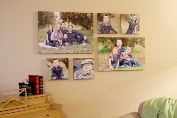 Clever toothpaste trick for hanging pictures.: Idea, Living Rooms, Families Pictures, Hanging Pictures, Canvas Wall, Canvas Prints, Hanging A Pictures, Hang Pictures, Photo Collages