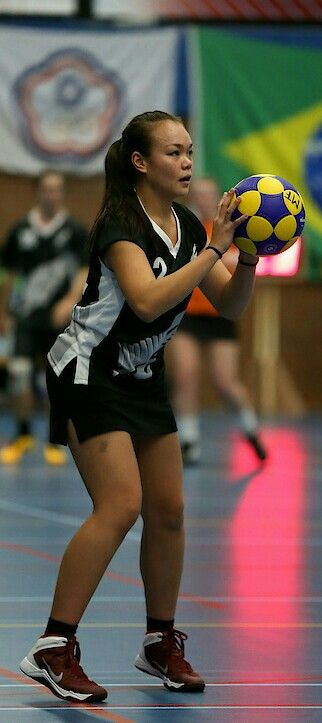 Chelsea Ruiz- Most Valuable Emerging Female Player - U19 Korfball World Cup 2015 Photo credit: Jacob Heres