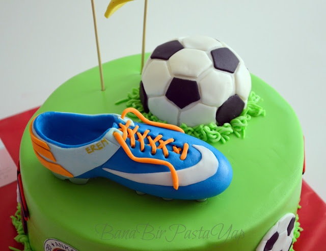 soccer cake for my son Eren.. He liked it very much in his birthday.