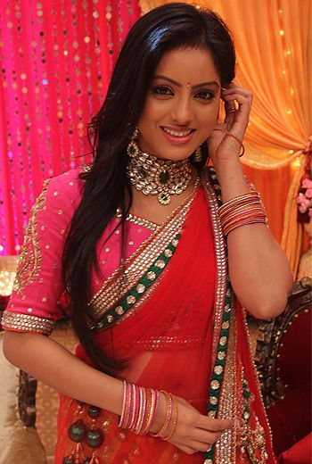 Deepika Singh is an Indian Television actress. She made her debut on small screen as Sandhya in the show Diya Aur Baati Hum which is one of the most popular show on star plus. She got a lot of fame through television and now is commonly known as Sandhya only. #deepikasingh #sandhya