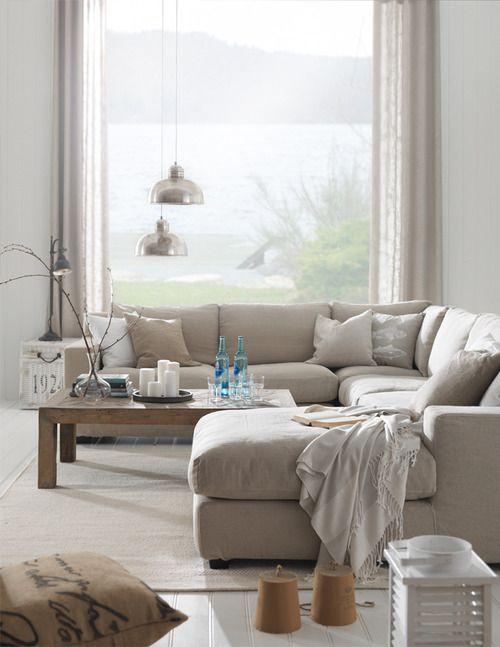 elorablue:, love this sectional    Summer Living-Interior Design By Living  http://livingbloggen.blogspot.com