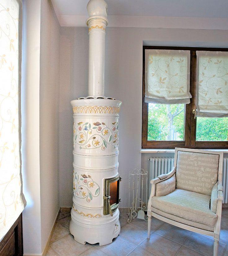 Estufa de leña / tradicional / de loza / de cerámica - VIENNA - LA CASTELLAMONTE Stufe di Ceramica