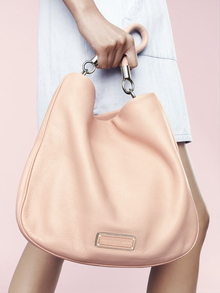 A pretty peach Marc Jacobs hobo for spring. @nordstrom #nordstorm