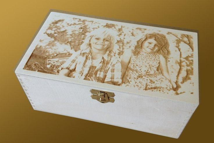 Fa doboz, gravírozott tetővel - az igazán különleges ajándék!  http://www.xfer.hu/