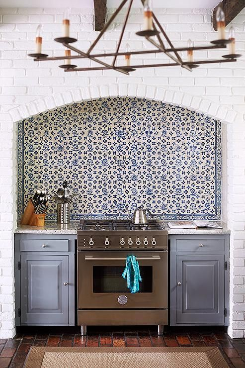 A charming nook for the tile-obsessed cook.