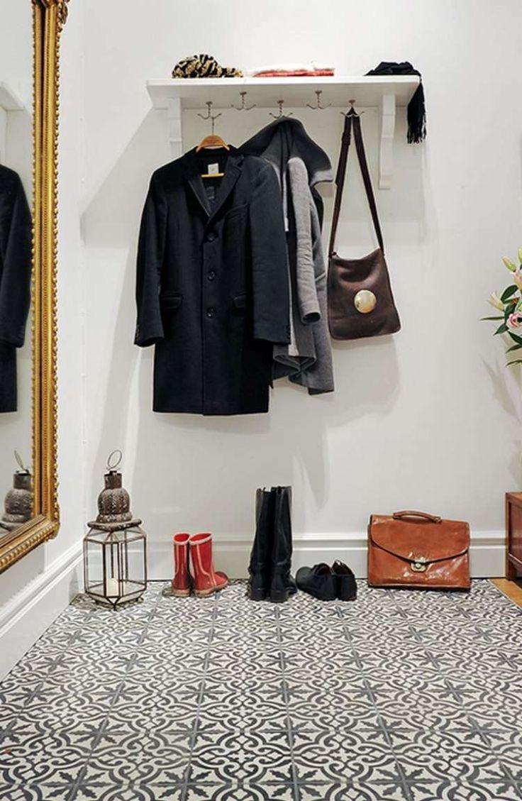 fliesen mit schwarz wei en ornamenten f r moderne gestaltung eingangsbereich vorraum. Black Bedroom Furniture Sets. Home Design Ideas