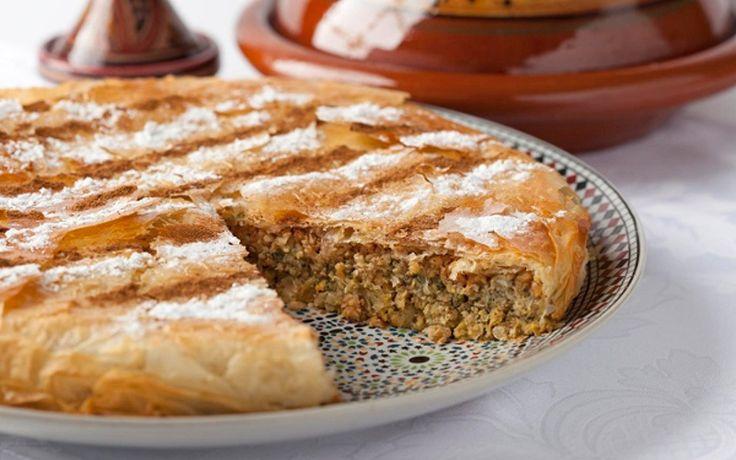 Ontdek hoe men Pastilla met kip maakt  en vind honderden recepten van Marokkaanse gerechten