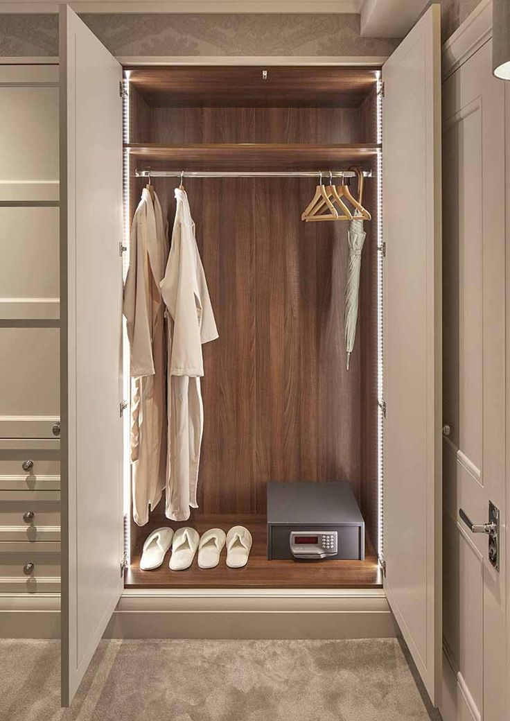 Explore our extensive range of interiors for Bespoke Wardrobes in Surrey & Essex. We create High-End Bespoke Wardrobes in Cheshire & London.