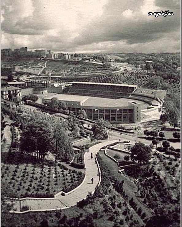 Beşiktaş (1950'ler).Dolmabahçe Stadı -Mithatpaşa stadı -İnönü stadı - çevre ve şekli hali ile...