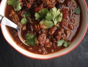 9 Homemade Vegetarian Chili Recipes: Homemade Vegetarian Black Bean Chili
