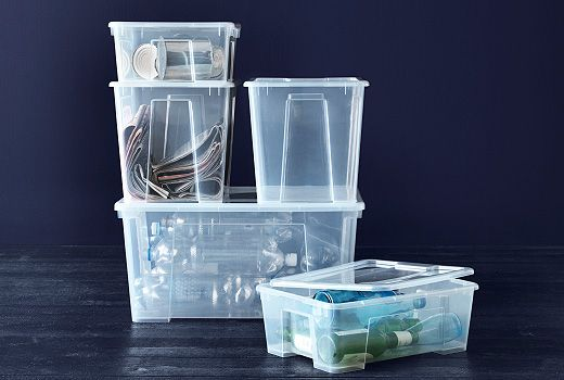 SAMLA is a series of boxes designed to help you store your things without taking too much space. They have lids, are stackable, are made of a see-through material and have grips: everything to make storing super-easy.