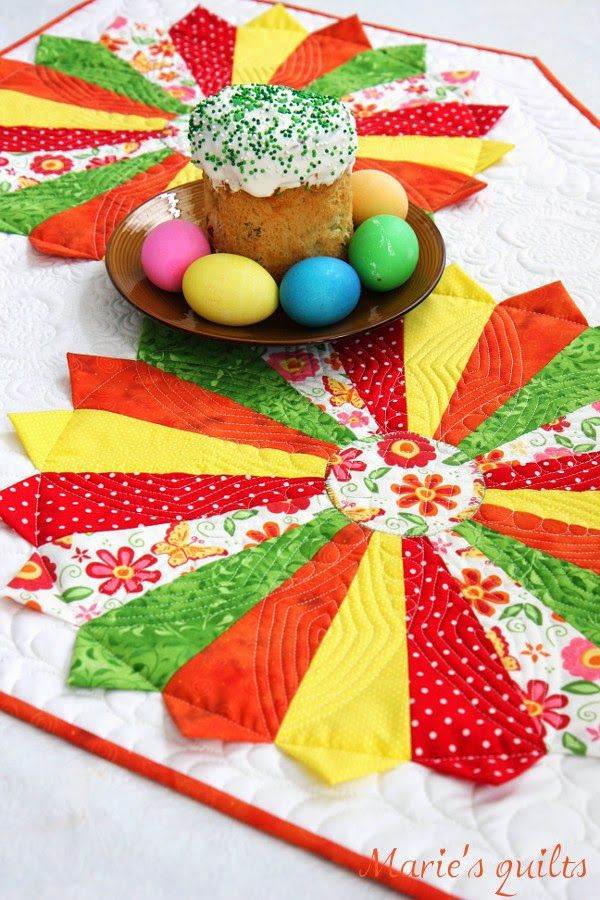 Marie's quilts: Дрезденская тарелка / Dresden plate  --  these plates will wake up your kitchen!