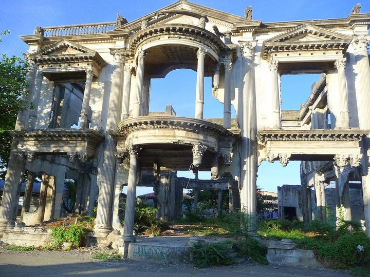 Laguda Mansion, Iloilo City - it was bombed during the Second World War then later left to ruin