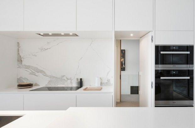 Résidence L'Effilée, maison en bord de lac au Québec par MU Architecture - Journal du Design