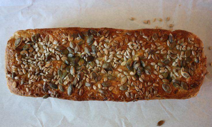 Saftig speltbrød med gulrot og gresskarkjerner – hverdagsmagi!