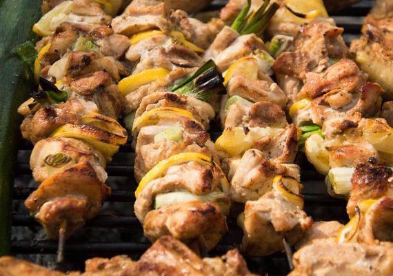 3 fogyókúrás grillrecept, amit bent a tűzhelyen és kint a kertben is elkészíthetsz | femina.hu