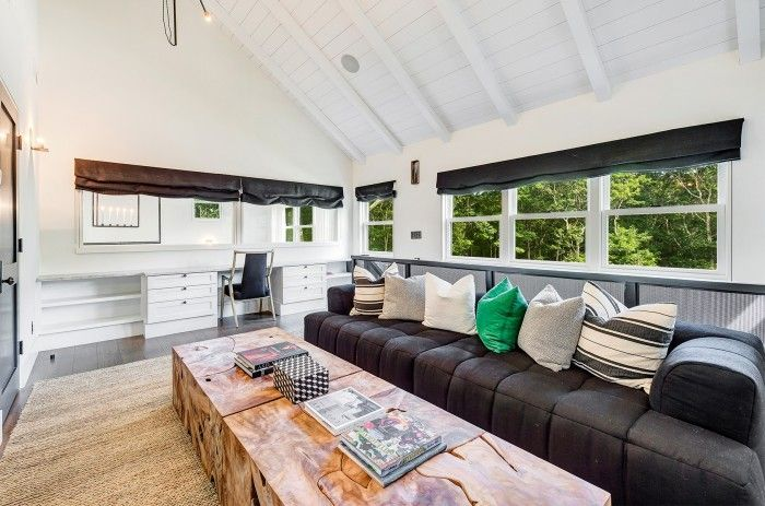 Beautiful Ellen Pompeo Farmhouse For Sale   See Inside The Real Meredith Greyu0027s House Gallery