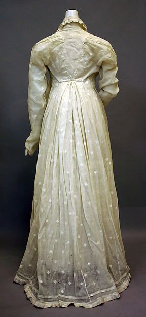Morning dress Date: 1810–20 Culture: American Medium: cotton Dimensions: Length: 54 1/2 in. (138.4 cm) Credit Line: Purchase, Friends of The Costume Institute Gifts, 1978