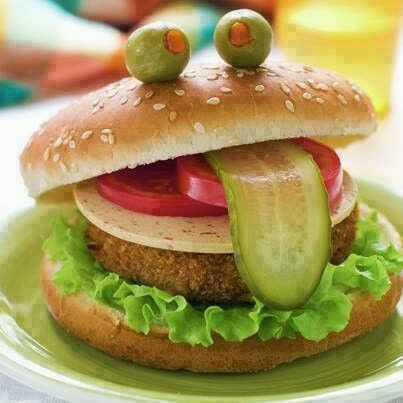 Funny burger: Sandwiches, Fun Food, Funny Food Art, Veggies Burgers, For Kids, Parties, Food Photography, Foodart, Kids Food