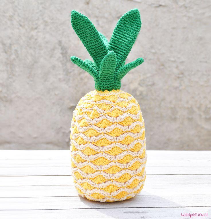Ananas haken? Een heerlijke tropische vrucht en hot item in je interieur. Helemaal hip en ideaal om aan je fruittaks te komen. Bekijk het gratis patroon.