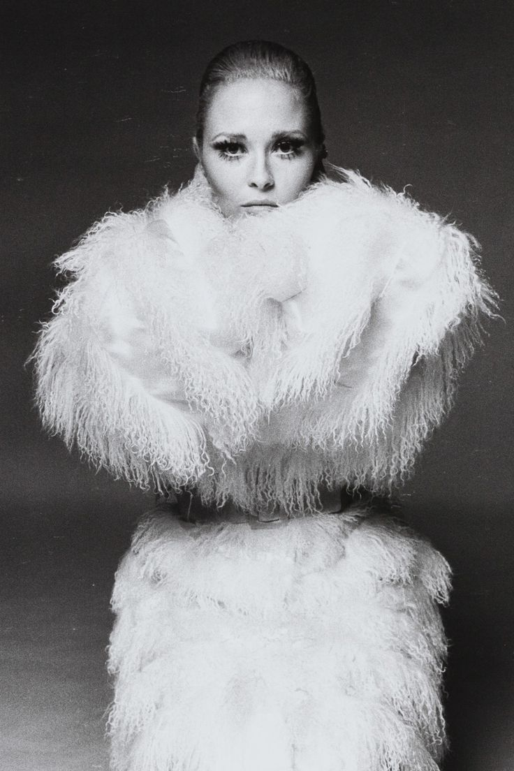 Faye Dunaway _ Sotheby's to Sell Portraits from Legendary Photographer Francesco Scavullo
