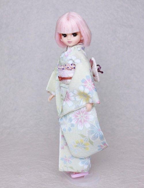 Kimono doll.Japanese Furisode. リカちゃんの愛らしい振袖