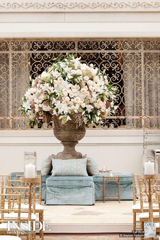 Reception. Wedding flowers.