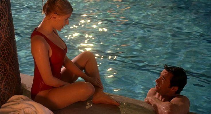 PHOTO Emma de Caunes seins nus en couverture de Playboy