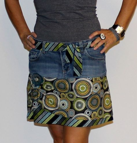 BeeBella – Upcycling – How to turn jeans into a skirt // FreeBook