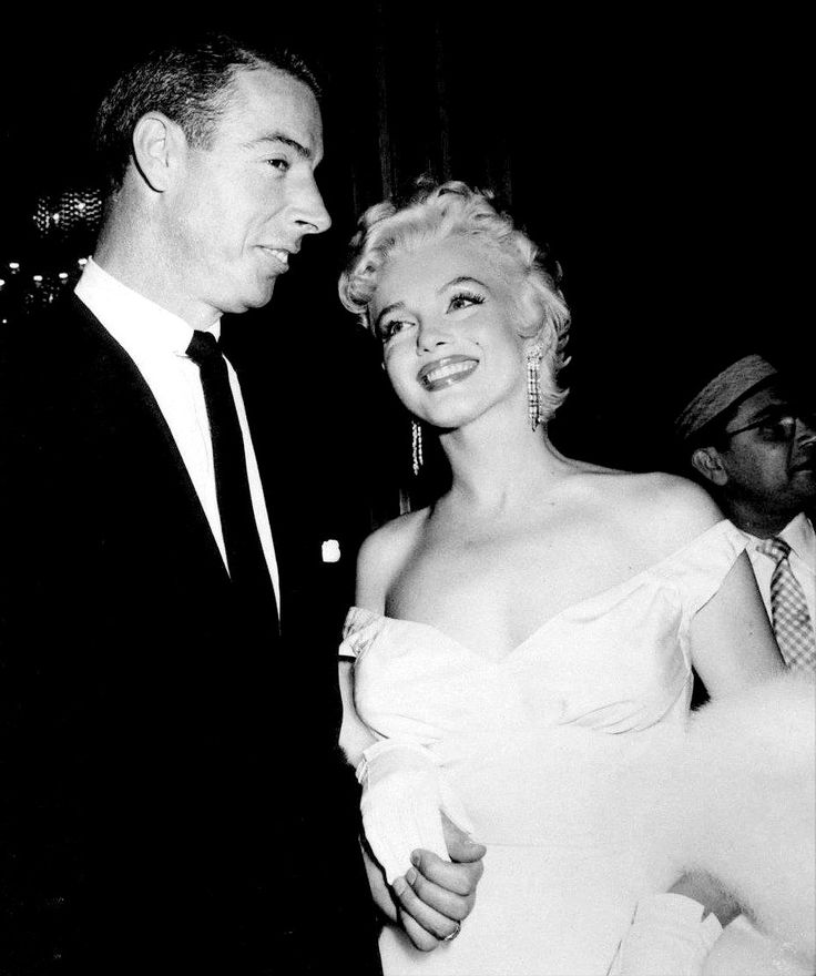 """Marilyn Monroe and Joe DiMaggio at the premiere of The Seven Year Itch, 1955. """