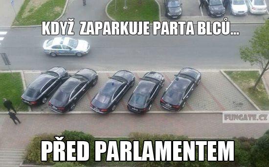 Když zaparkuje parta blbců…