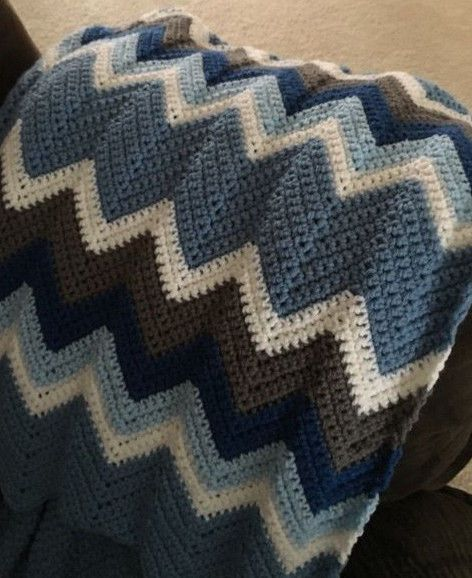 Free Crochet Afghan Patterns For Young Adults : 221 best images about CROCHET - CHEVRON RIPPLE on ...