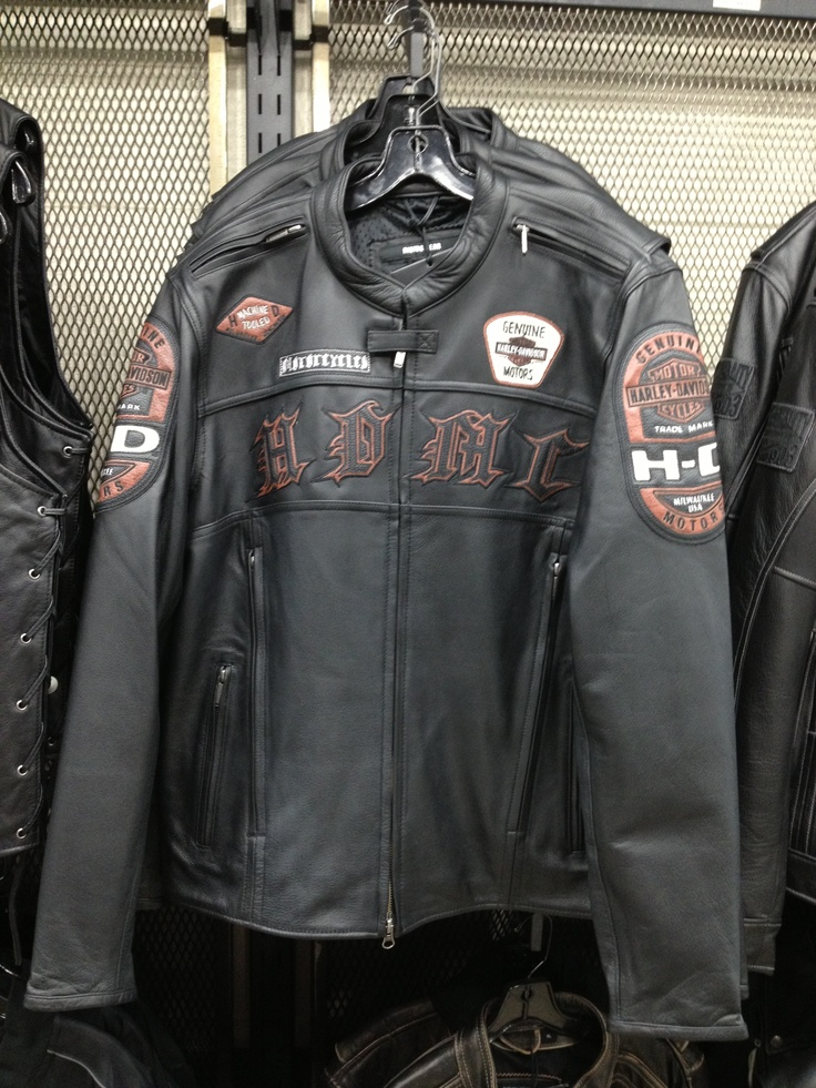 Stylish leather jacket, great for riding! For more info, call H-D® of Dallas' knowledgeable Motorclothes® ladies! 214-495-0259   #custom #apparel #HarleyDavidson #men #guys #fashion #skull #bling #stylish #rugged #biker #motorcycle #leather #jacket #riding #ridinggear