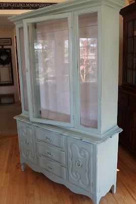 How to make your own chalk paint!! Make Shabby Chic pieces! I'm in love!!