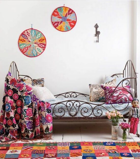 CamA de Hierro: Color, Bedrooms Design, Beds Frames, Bohemian Bedrooms, Rugs, Bohemian Style, Bedrooms Ideas, White Wall, Kids Rooms