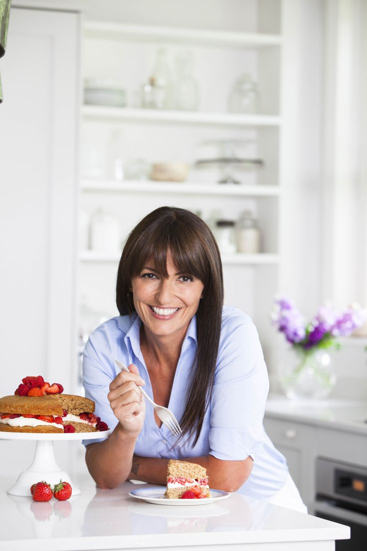 Christmas door decorating davina mccall interview 2015 celebrity interviews - Orion Are To Publish Davina Mccall S First Cookbook Davina S Five Weeks To Sugar Free In