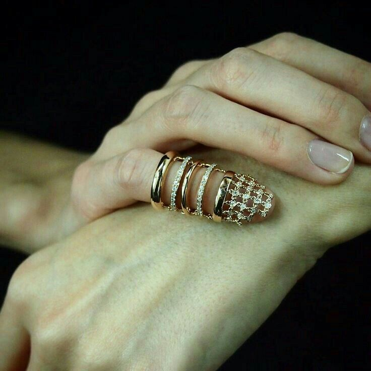 14 Kt gold & diamonds Vs H